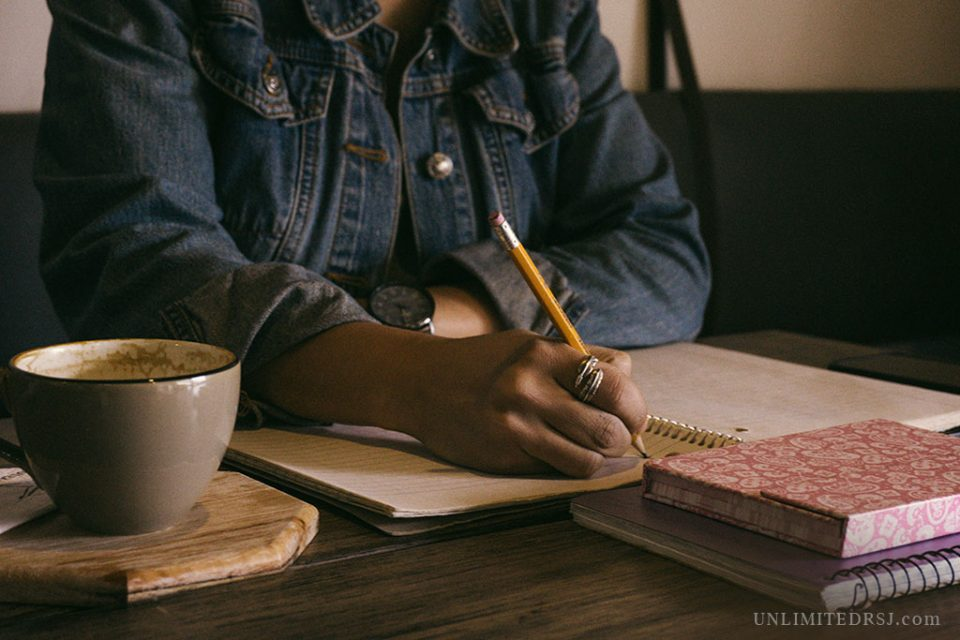 Aspiring Author Contest (Photo by Kat Stokes)